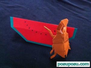 折り紙のカブトムシとスイカ