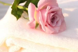 バラの花とバスタオル